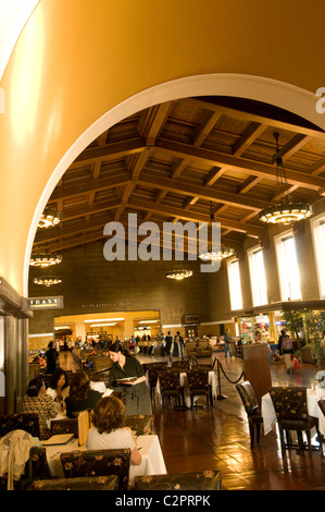 Lobby der Union Station, historischen Gebäude im Zentrum von Los Angeles, Kalifornien, USA - Stockfoto