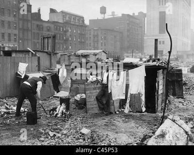 Waschplatz in einem Elendsviertel von New York während der Weltwirtschaftskrise 1931 - Stockfoto