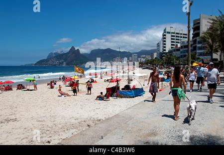 Den berühmten Strand von Ipanema in Rio De Janeiro, Brasilien. - Stockfoto