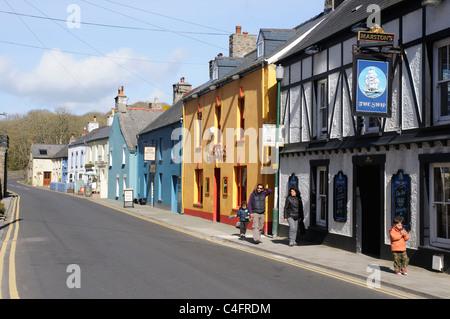 Die Hauptstraße des Dorfes Solva, Pembrokeshire, Wales - Stockfoto