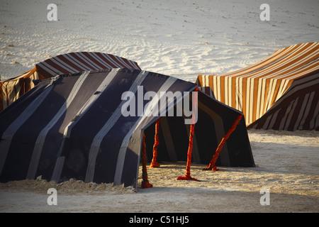 Afrika, Tunesien, Nefta, Sahara Wüste, Ong El Djemel, Berber Zelte - Stockfoto