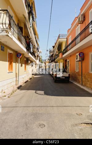Straße in der griechischen Stadt Zakynthos - Stockfoto