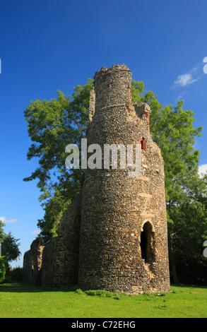 Die Ruinen von Str. Marys Kirche in Kirby Bedon in Norfolk, England. - Stockfoto