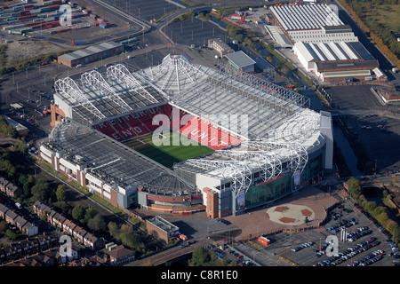 Luftaufnahme des Old Trafford Stadion, Heimat des Manchester United FC - Stockfoto