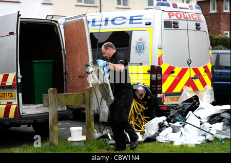 Cannabis ist in einem Überfall auf eine Drogen-Fabrik, Lewes, East Sussex von Sussex Polizei beschlagnahmt. - Stockfoto