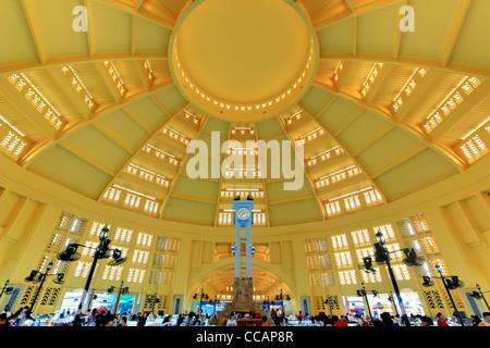 Eigelb gelb Deko   Phnom Penh Zentralmarkt   Kambodscha - Stockfoto