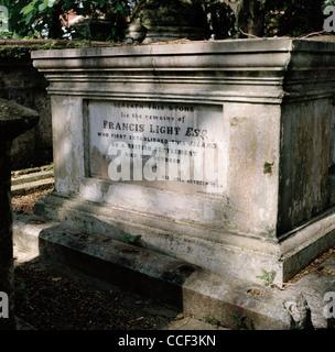 Grab von Kapitän Francis Light auf dem protestantischen Friedhof in George Town in Insel Penang in Malaysia in Fernost - Stockfoto