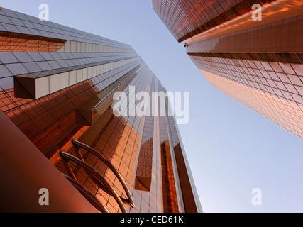 Kupfer-farbigen Fassaden von Office towers, moderne Architektur, Sheikh Zayed Road, Al Satwa, Dubai, Vereinigte - Stockfoto