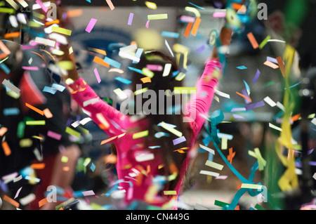 Mädchen-Gewinner-Arme - Stockfoto