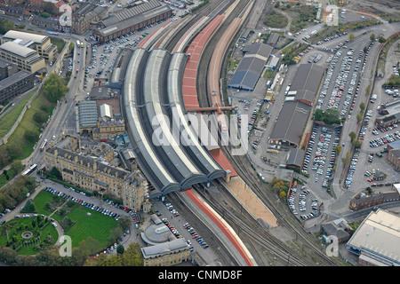 Aerial Foto von York City Bahnhof und Umgebung - Stockfoto