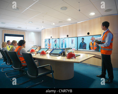 Bauarbeiter im video-Konferenz - Stockfoto