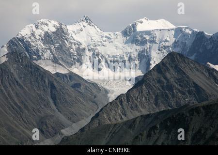 Belukha Berg (4.506 m), der höchste Punkt in Sibirien und Akkem-Gletscher im Altai-Gebirge, Russland. - Stockfoto
