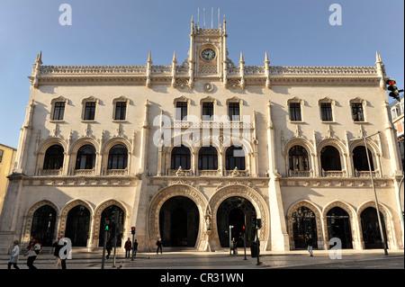 Estacao Rossio Bahnhof Rossio, Beginn der Bau im Jahre 1886, Fassade mit hufeisenförmigen Eingängen, Praça de Dom - Stockfoto