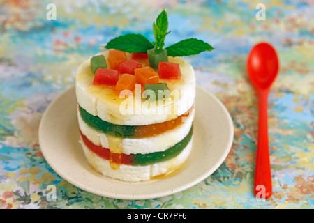 Frischkäse mit Gelee-Früchte. Rezept erhältlich - Stockfoto