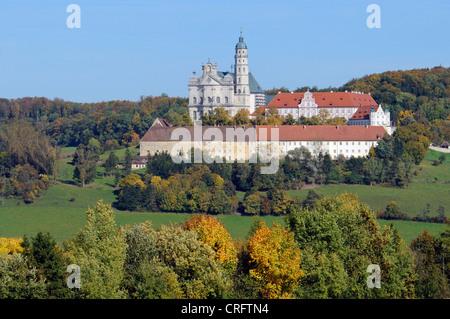 Abtei und Nacht Neresheim, Deutschland, Baden-Württemberg, sch.ools.it Alb, Neresheim - Stockfoto