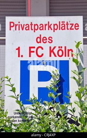 Privat-Parkplatz am Clubhaus des 1 FC Koeln, deutsche Socker Team, Deutschland, Nordrhein-Westfalen, Köln - Stockfoto