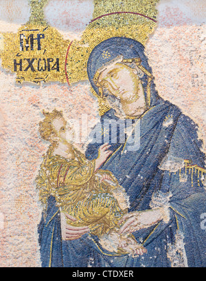 Istanbul, Türkei. Byzantinische Kirche des St. Saviour in Chora. Mosaik der Jungfrau Maria das Jesuskind hält. - Stockfoto