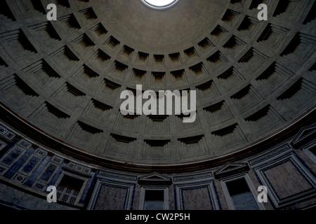 Die Decke des Pantheon in Rom, Italien - Stockfoto