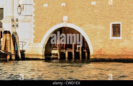 Bootsgarage auf Insel Isola di San Giorgio Maggiore - Stockfoto