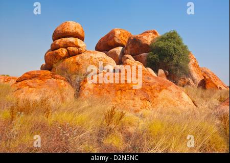 Granitfelsen in des Teufels Murmeln Conservation Reserve, Northern Territory, Australien, Pazifik - Stockfoto
