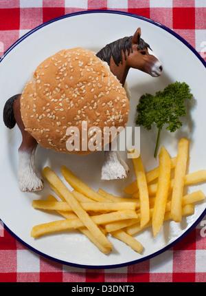 Pferd-Burger und Pommes frites - Stockfoto
