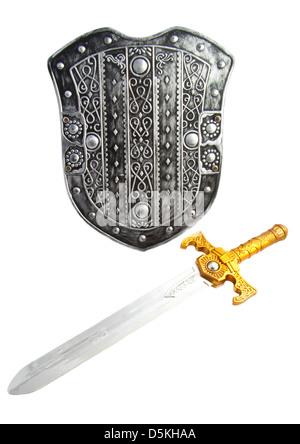 Alte verzierte Schild mit Schwert isoliert auf weiß - Stockfoto