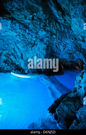 Insel Bisevo, berühmten blauen Grotte. - Stockfoto