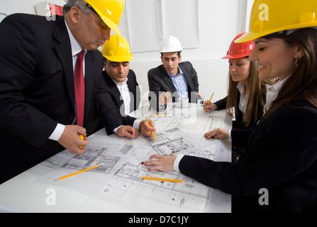 Architekt, Vortrag, eine kleine Gruppe. - Stockfoto