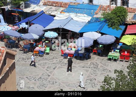 Cafés und Restaurants in der Medina von Chefchaouen, Marokko - Stockfoto