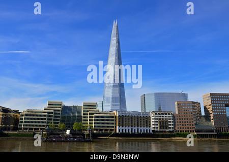 Die Scherbe über Fluß Themse, London Bridge Viertel, London, Vereinigtes Königreich - Stockfoto