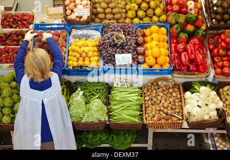 Obst und Gemüse, Mercado del Sur, Gijón, Asturien, Spanien. - Stockfoto