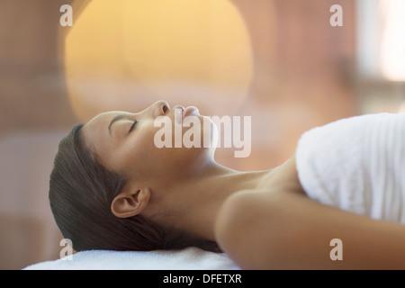 Frau, die Massage im spa - Stockfoto