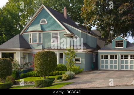 Highland drive Nachbarschaft Pflanzen und Häuser Seattle WA. - Stockfoto