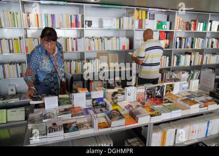 Paris Frankreich Europa Französische arrondissement Arabische Welt Institut AWI Institut du Monde Arabe Book Store - Stockfoto