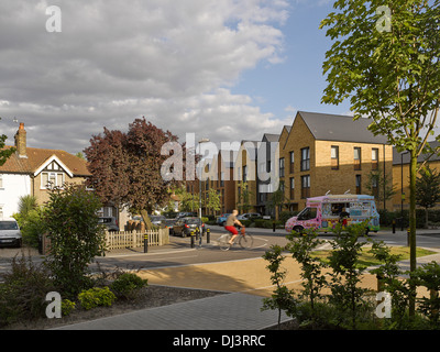 Kidbrooke Village, London, Vereinigtes Königreich. Architekt: Lifschutz Davidson Sandilands, 2013. Terrassenförmig - Stockfoto