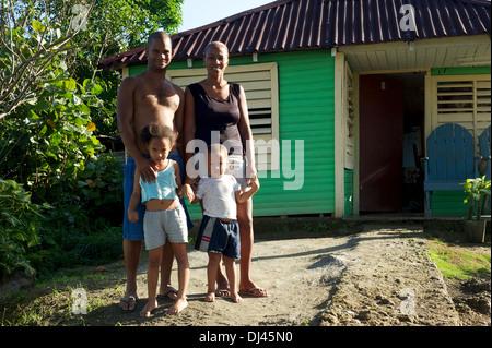 Ländlichen kubanischen Familie, Baracoa, Kuba - Stockfoto