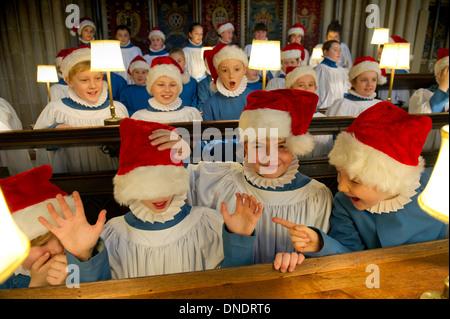 Der Chor der Wells Cathedral in Weihnachten Gewand - Stockfoto