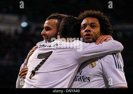 Madrid, Madrid, Spanien. 6. Januar 2014. Cristiano Ronaldo (C) feiert sein Tor mit Jese (L) und Marcelo (R) in einer - Stockfoto