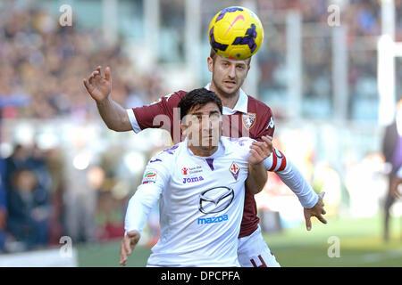 Turin, Italien. 12. Januar 2014. Pizarro und Basha während der Serie A Spiel zwischen Turin und Fiorentina im Stadio - Stockfoto