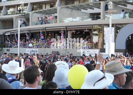 Kundenansturm in manly, Sydney, Hoffnung, britischen Mitgliedern der königliche Familie zu sehen, William und catherine - Stockfoto
