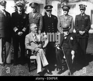 1. Januar 1943 - Casablanca, Afrika - Datei Foto: ca. Januar 1943. Stehend - von links nach rechts: GENERAL ARNOLD, - Stockfoto