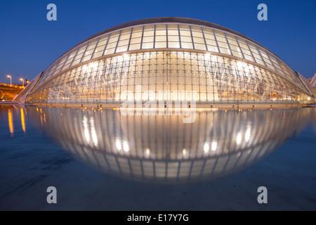 Die Hemsiferic in der Stadt der Künste und Wissenschaften in Valencia, Spanien. - Stockfoto