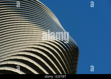Absolute Türme, Mississauga, Kanada. Architekt: Müller Architekten, 2012. Details der Verdrehung der absoluten Türme. - Stockfoto