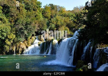 Kroatien, Dalmatien, dalmatinische Küste, in der Nähe von Sibenik, Krka Nationalpark Krka River Falls - Stockfoto