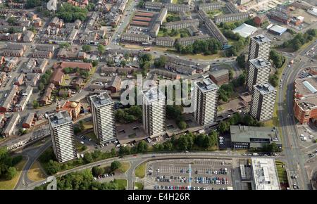 Luftaufnahme von den berühmten 7 Wohnblöcken, Mehrfamilienhäuser, im Zentrum von Rochdale Lancashire - Stockfoto