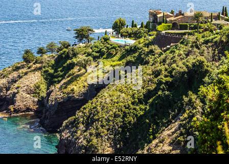 Hübsches Haus in Antibes. Antibes ist ein Ferienort in den Alpen-Maritimes Abteilung im Südosten Frankreichs zwischen - Stockfoto
