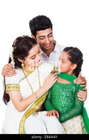 South Indian Familie sitzen - Stockfoto