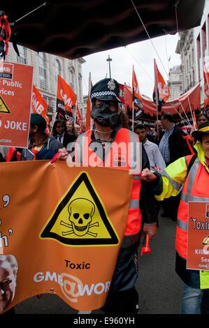 90.000 Menschen beitreten TUC General gegen Sparpolitik & Großbritannien Bedürfnisse ein März Zahlen steigen und - Stockfoto