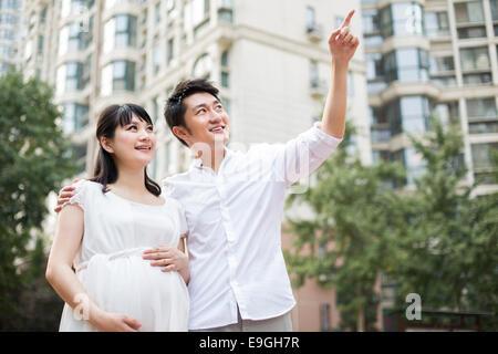 Schwangere Frau und ihr Ehemann - Stockfoto