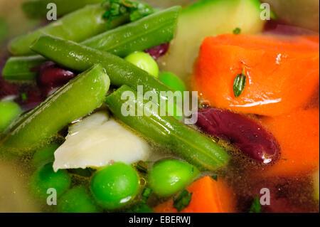 Gemüsesuppe-Makro - Stockfoto